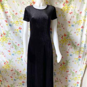 VINTAGE 90s 00s BLACK VELVET MAXI DRESS size M